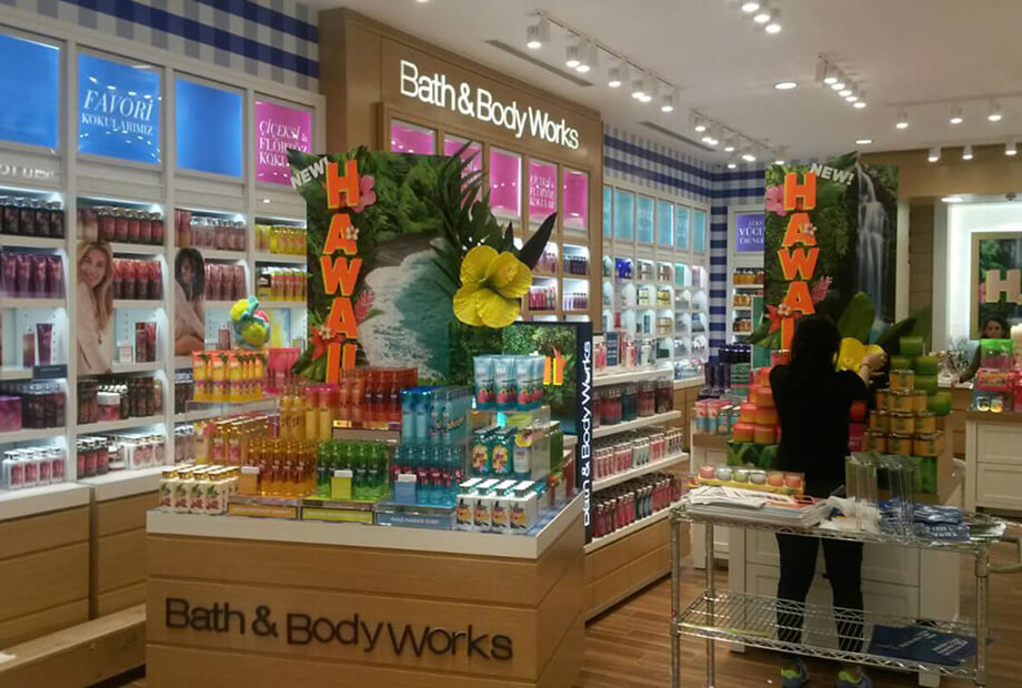 <strong>Bath & Body Works</strong>